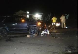 Va chạm với ô tô khiến chồng bị thương nặng, vợ và con tử vong tại chỗ
