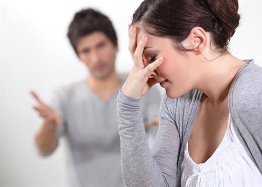 Khi vợ chồng bêu nhau lên báo: Bát nước hắt đi có lấy lại được