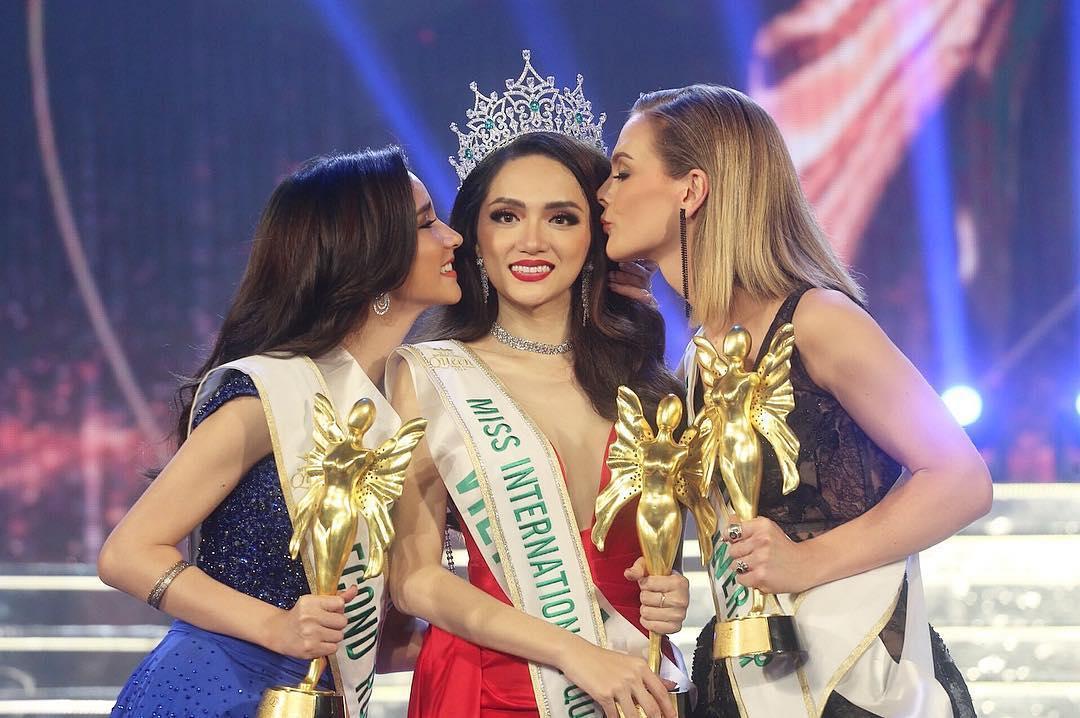 Sau khi đăng quang tân Hoa hậu đã về quê nhà và có bữa tiệc cảm ơn những người đã đồng hành cùng cô trong cuộc thi