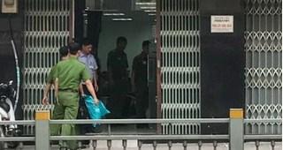 Hai thanh niên dùng vũ khí cướp ngân ABBANK ở Sài Gòn