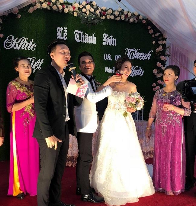 Khắc Việt bật mí lý do cưới vào ngày Quốc tế nói dối