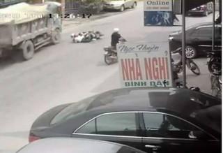 Chủ xe lên tiếng về cú bẻ lái cứu mạng 2 nữ sinh: 'Tài xế xử lý quá kém'