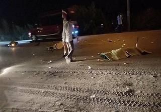 Quảng Ninh: Không làm chủ được tốc độ, 2 thanh niên đi xe máy tông vào ô tô tử vong