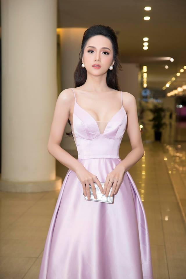 Nguyễn Hương Giang đọ vòng 1 với H'Hen Niê, Hoàng Thùy, Mâu Thủy