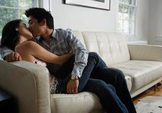 Vợ đau đớn tột cùng khi phát hiện chồng 'mẫu mực' bao nuôi bồ 2 năm nay