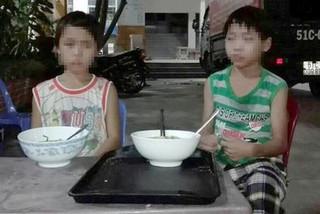 Hai cháu bé bị ép đi ăn xin ở Sài Gòn, không có tiền sẽ bị đánh
