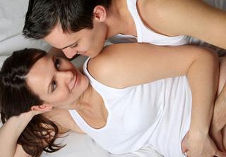 Những tư thế 'yêu' giúp các cặp vợ chồng dễ thụ thai nhất