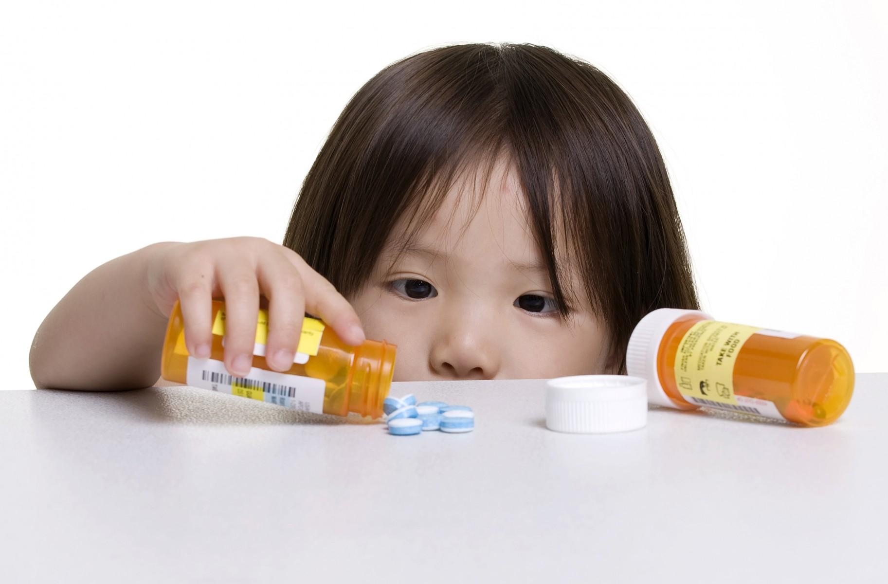 Bệnh nhân sốt xuất huyết nên và không nên uống thuốc nào