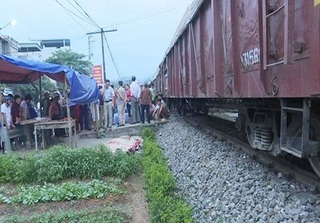 Lào Cai: Va chạm với tàu hỏa, một phụ nữ tử vong thương tâm