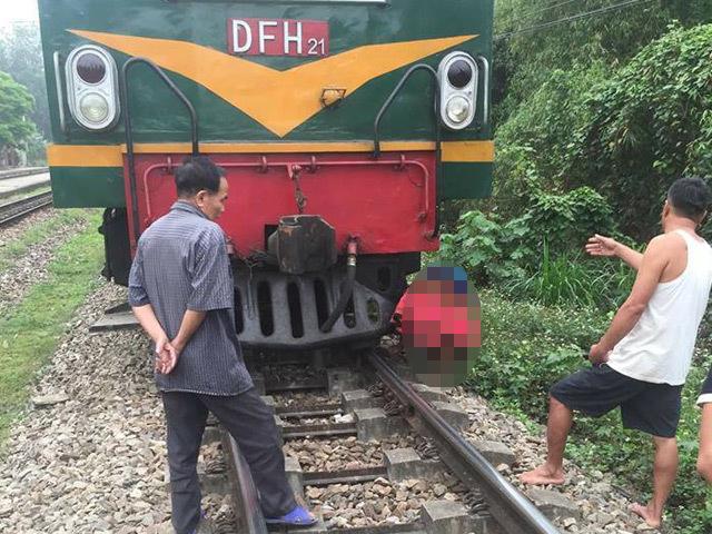 Cụ bà người Mông tử vong sau khi va chạm với tàu hỏa