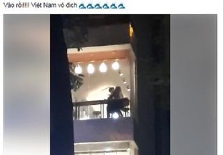 Clip cặp đôi thản nhiên làm 'chuyện ấy' tại quá trà sữa ở Hà Nội