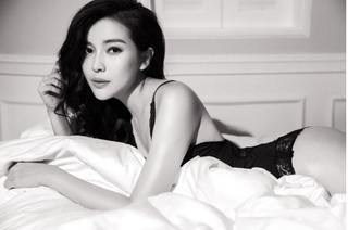 Đón tuổi 28, Cao Thái Hà tung ảnh sexy, nóng bỏng