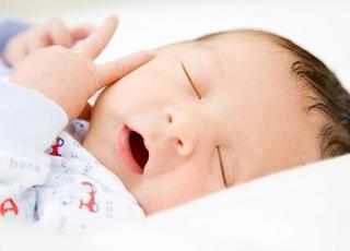 Giờ ngủ chuẩn của trẻ dưới 1 tuổi và mẹo giúp bé ngủ ngoan trong chớp mắt