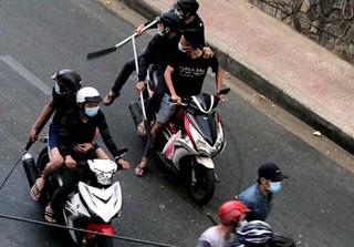 Hơn 30 giang hồ dùng mã tấu hỗn chiến kinh hoàng ở Sài Gòn