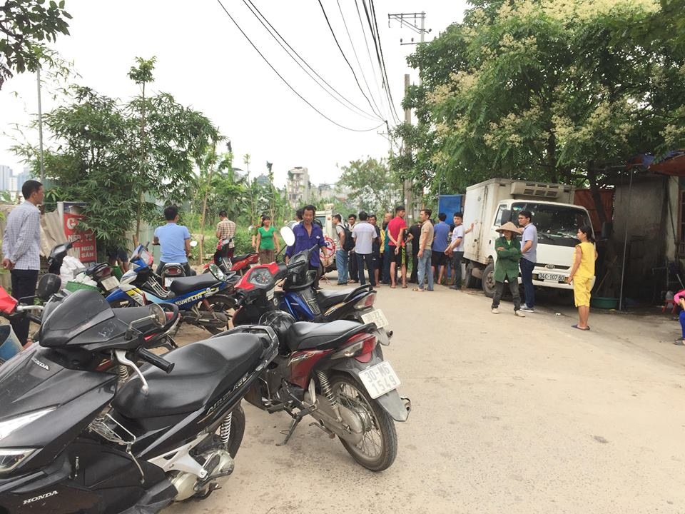 Hà Nội : Phát hiện thi thể cháy đen ở cánh đồng