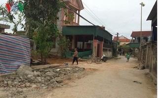 Bé trai 4 tuổi bị nghi can mắc bệnh tâm thần đánh chết trước cổng nhà