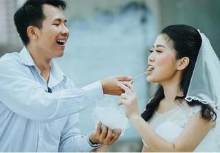 Yêu từ cái nhìn đầu tiên với một bức ảnh, chàng 'cưa đổ' và hỏi cưới nàng sau... 30 ngày