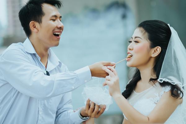 Yêu từ cái nhìn đầu tiên, chàng cưa đổ và hỏi cưới nàng sau 30 ngày