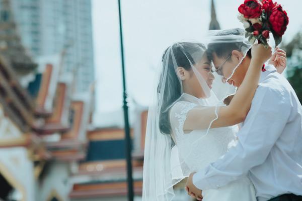 Yêu từ cái nhìn đầu tiên, chàng cưa đổ và hỏi cưới nàng sau 30 ngày8