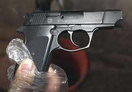 Vợ phục kích bắn chết nhân tình của chồng rồi tự sát