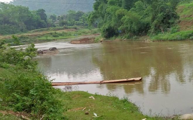 Lào Cai: 2 anh em đuối nước thương tâm khi tắm suối