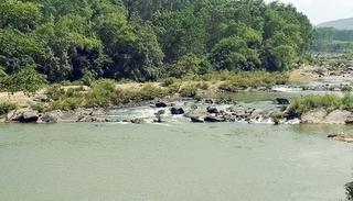 Rủ nhau đi chụp ảnh ở sông Đá Giăng, 2 thanh niên đuối nước