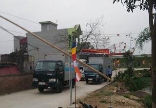 Hải Dương: Người dân bỏ tiền làm đường, thôn lập barie thu phí