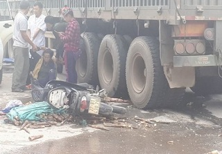Điện Biên: Ngã xuống đường sau tai nạn, người phụ nữ bị cán đứt lìa chân