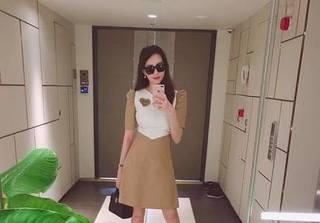 Hoa hậu Thu Thảo lần đầu lộ diện sau 1 tháng sinh con