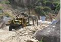 Hà Nội: Sập mỏ đá, một thợ lái máy xúc tử vong