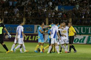 Trưởng ban trọng tài nói gì về quả penalty trong trận HAGL - Khánh Hòa?