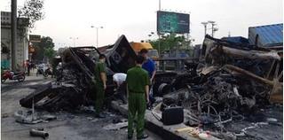 Hải Phòng: Xe container đâm nhau bốc cháy, 2 người tử vong vì mắc kẹt