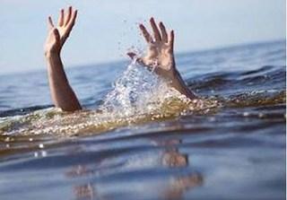 Cứu bạn trượt chân xuống hồ, 4 học sinh đuối nước tử vong