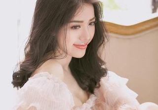 Phùng Khánh Linh: Nâng ngực để tôn trọng công việc và nghề nghiệp đang làm