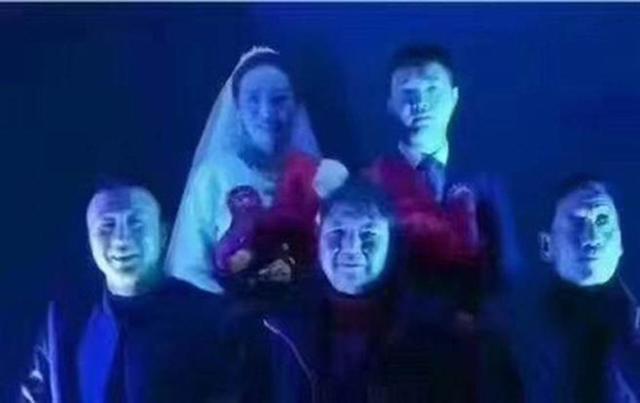 Nhiếp ảnh chụp ảnh cưới như đám ma, cô dâu chú rể khóc ròng