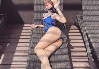 Angela Phương Trinh mặc bikini đội nón lá khoe 3 vòng nóng bỏng đón hè