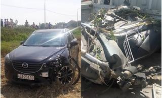 Quảng Nam: Ô tô mất lái đâm xe máy bẹp nát rồi lao xuống ruộng