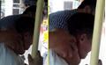 Vĩnh Phúc: Nhân viên xe buýt kẹp cổ, đạp hành khách xuống xe