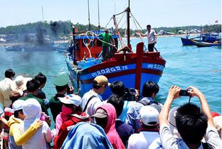 Quảng Ngãi: 3 ngư dân tử vong thương tâm vì vật thể lạ phát nổ trên biển