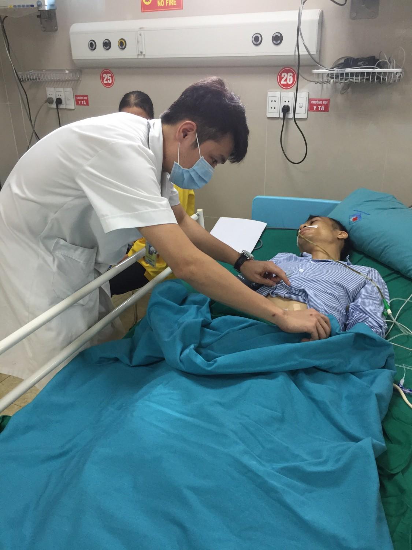 Không điều trị viêm loét dạ dày bệnh nhân bị thủng tạng rỗng