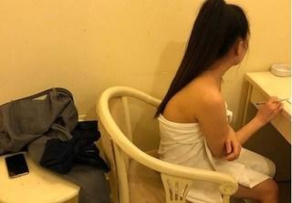 Tiếp viên nhà hàng múa thoát y, bán dâm cho khách ở Sài Gòn