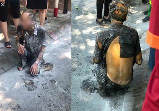 Cụ ông cháy như ngọn đuốc sau khi tưới xăng lên người tự thiêu giữa phố