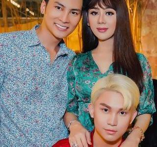 Lâm Khánh Chi xinh đẹp trong tiệc sinh nhật chồng trẻ
