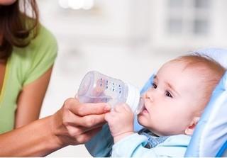 Chế độ ăn như thế nào để trẻ ít ốm vặt trong ngày hè oi nóng?
