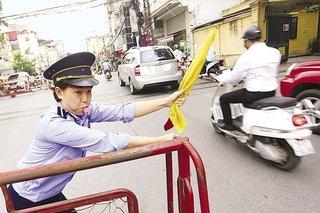 Bộ trưởng Nguyễn Văn Thể: Trực gác chắn lương thấp thì trách nhiệm sao cao được?