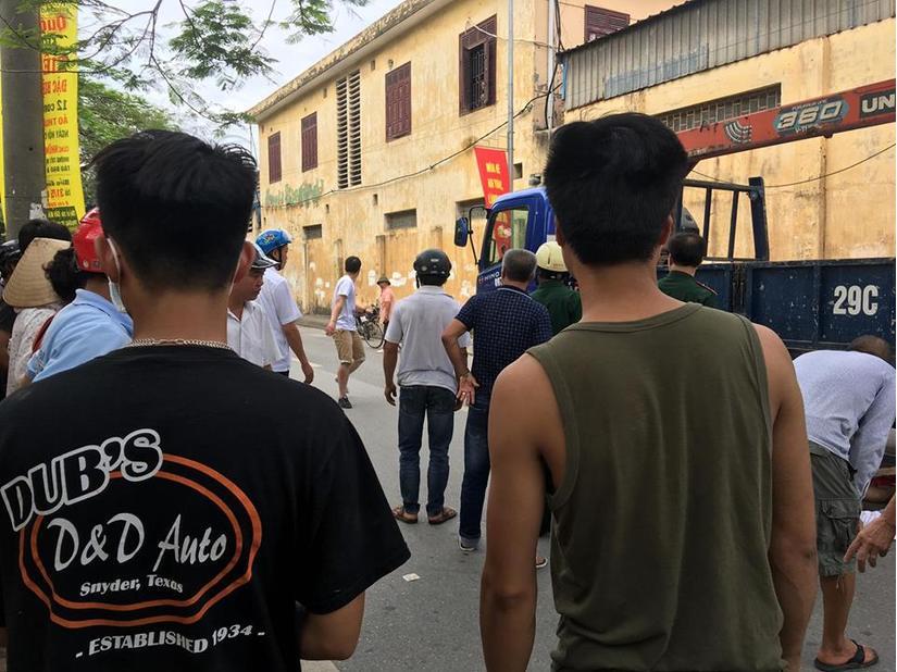 Hà Nội: Tài xế bỏ trốn sau khi gây ra vụ va chạm khiến 4 người thương vong2