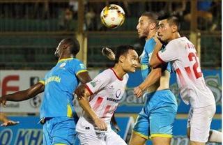 Thi đấu như lên đồng nhưng Nam Định vẫn chia điểm tiếc nuối trên sân của S.Khánh Hòa