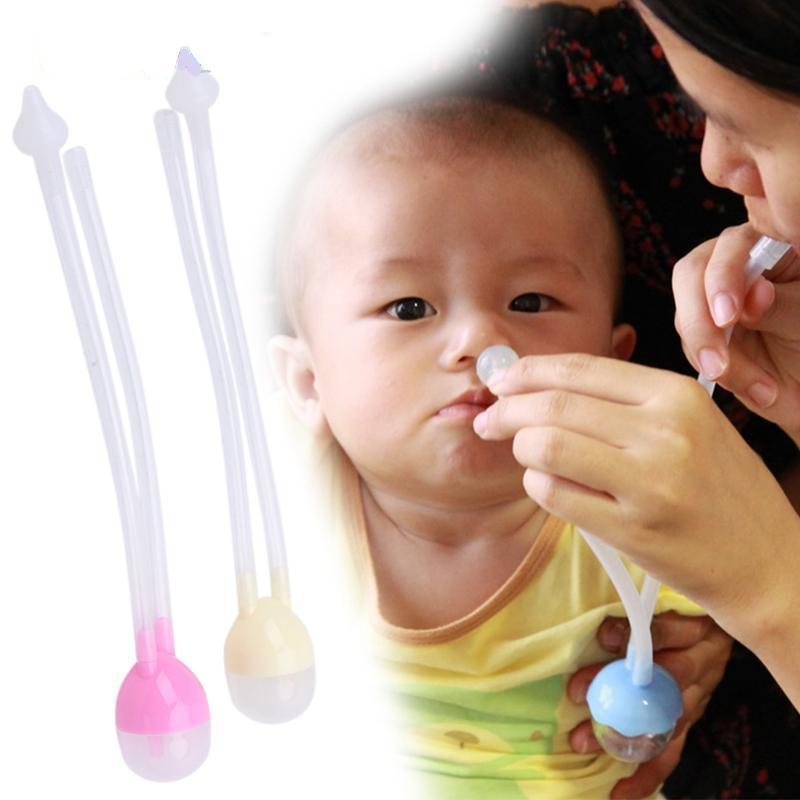 Có nên hút mũi lấy ráy tai cho trẻ không