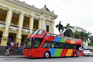 Mua vé xe buýt 2 tầng 300 nghìn, hành khách được ngắm những gì ở Hà Nội?