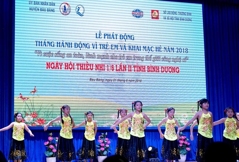 Tân Hiệp Phát tặng hàng nghìn phần quà cho trẻ em7